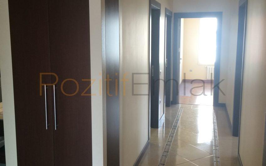 Ataköy Konaklarında 211 m2 lik 4+1 satılık